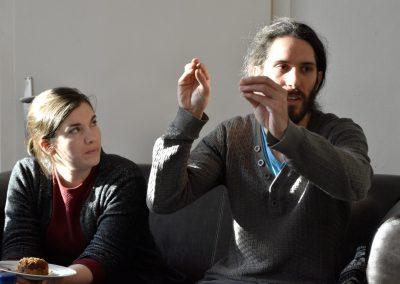 """Round-Table-Gespräch im Projektraum: """"Wir machen Kunst, um uns die Welt zu erklären"""""""